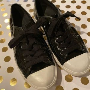 COLE HAAN CONVERSE STYLE SZ 8.5